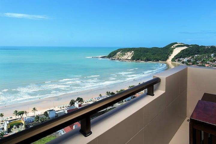 Apartamento de 2 quartos com vista para o mar e varanda