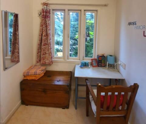 Long term stay double AC room Suffren Street