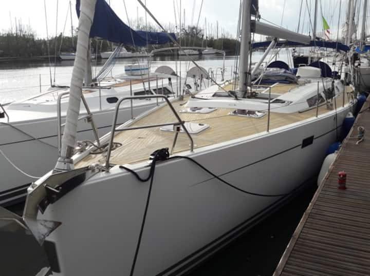 """Barca a Vela """"Hanse 470E"""" tra le Luci d'Artista"""