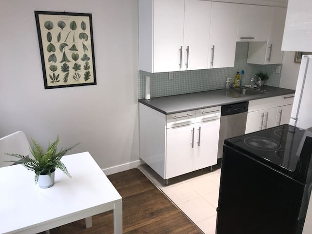 Humble apartment downtown Vancouver