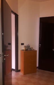 Cozy, spacious centrally located room near Bocconi - Milano - Apartment