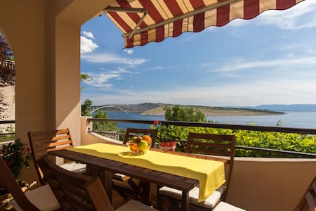 Captain's Superior 3 BDR Apartment with Sea View - Kraljevica