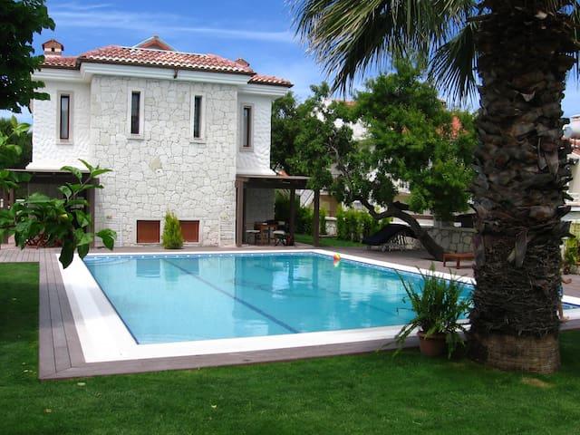 Villa Nar 2 - Havuzlu ( Alaçatı )