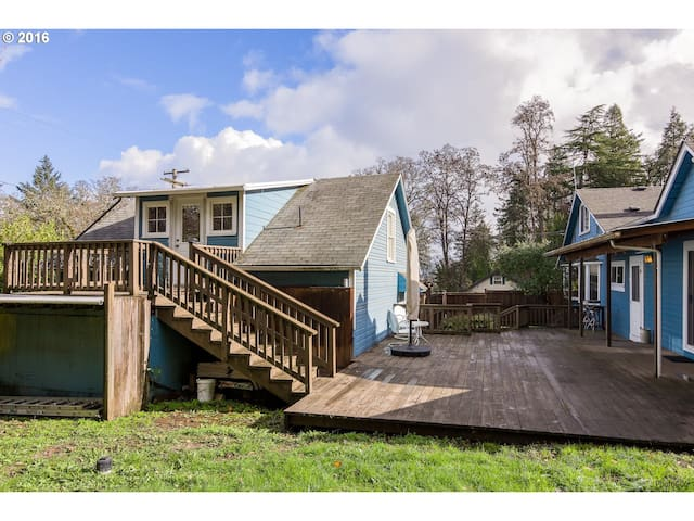 Charming and Private Farmhouse Cottage Apartment! - Springfield - Lejlighed