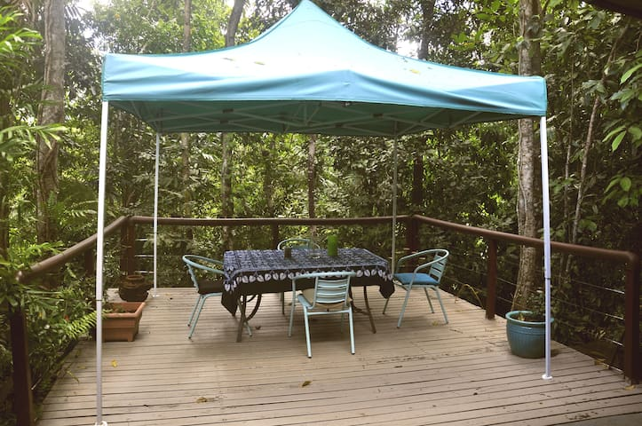 Enjoy your meals and refreshments on the suspended decking overlooking the pristine creek