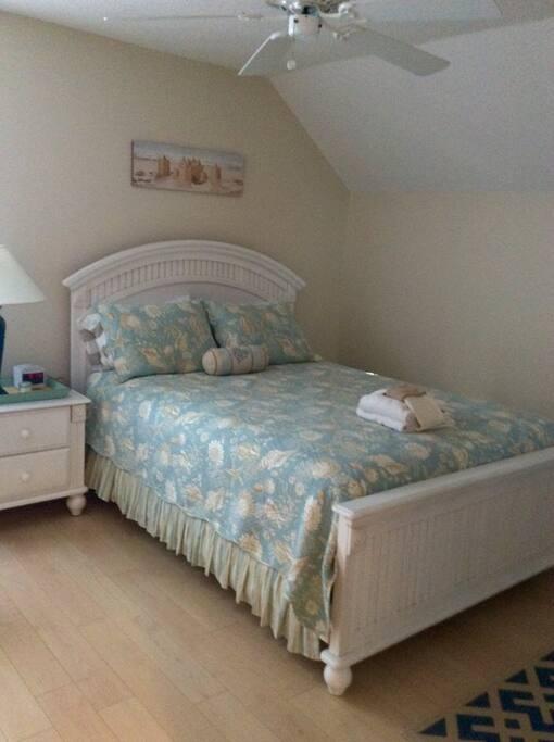 Bedroom #2 - Queen Size