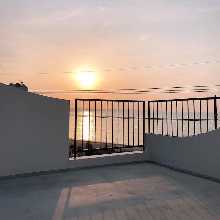 hoteltowaie201 朝日が昇る海の近く2ldkのアパートメントホテルです!