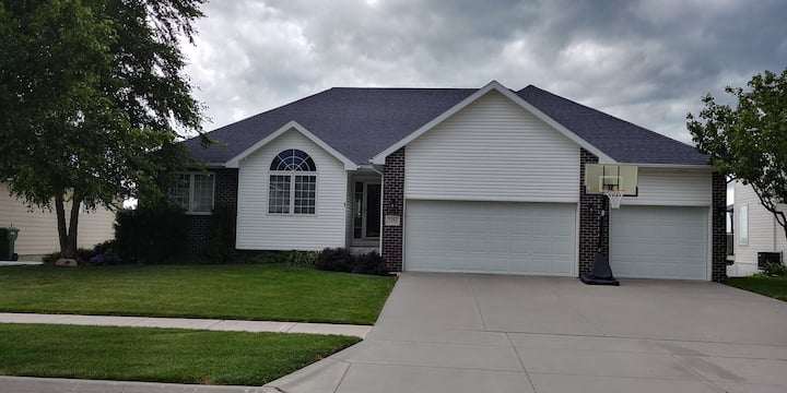 Beautiful 5BR home in a great location