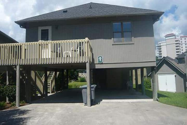 Guest Cottage 6-2BR/2BA 2nd Row Cottage, Ask about Monthly Rentals!