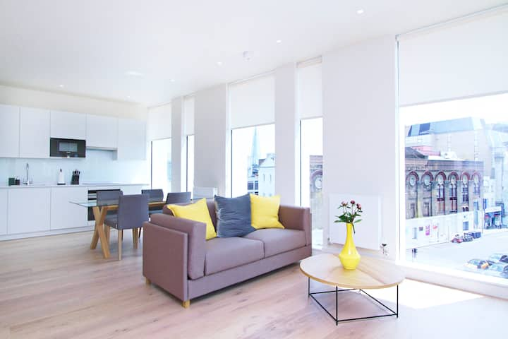 Chic 1 bed at Pear Place with balcony - PP03