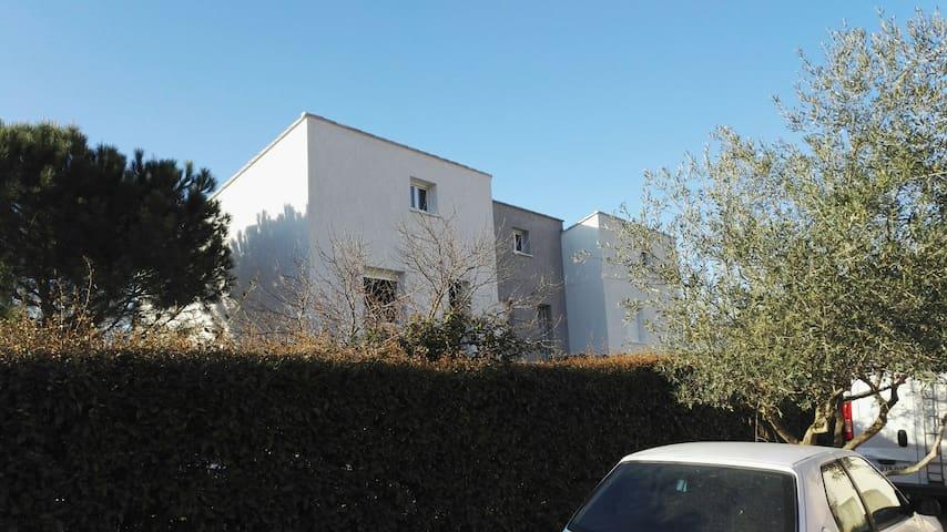 """Le Tambourin"" F3 résidence neuve terrasse,jardin - Cazouls-d'Hérault - Apartamento"