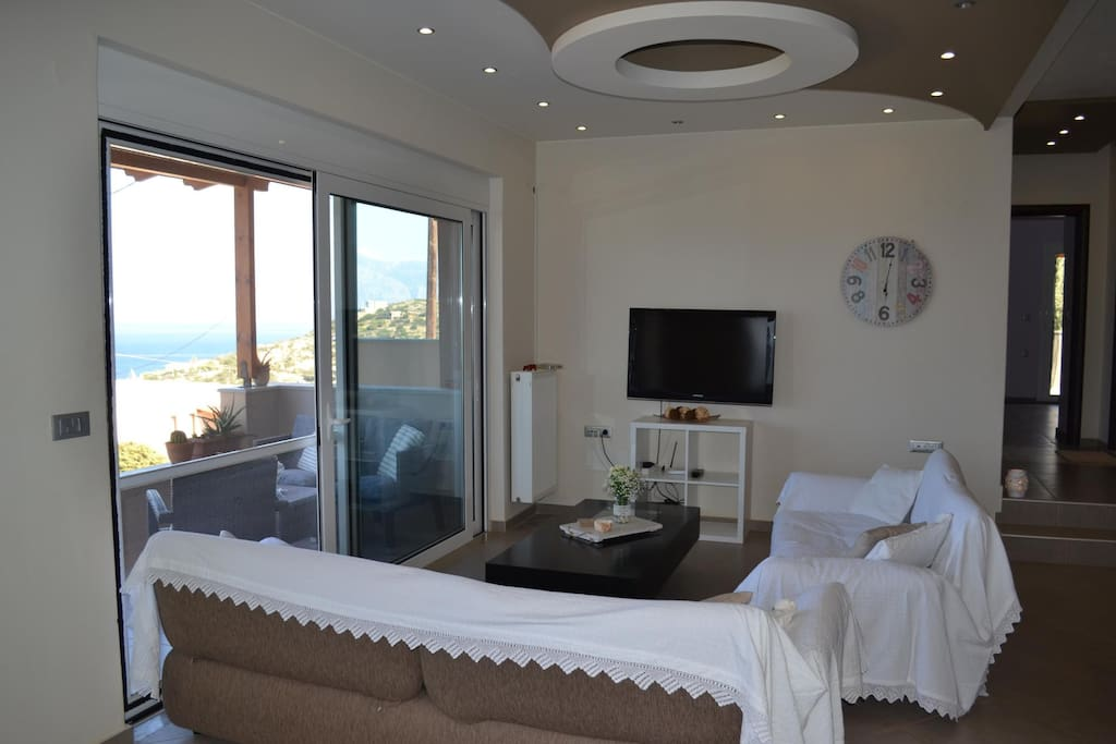 Open living room / kitchen area