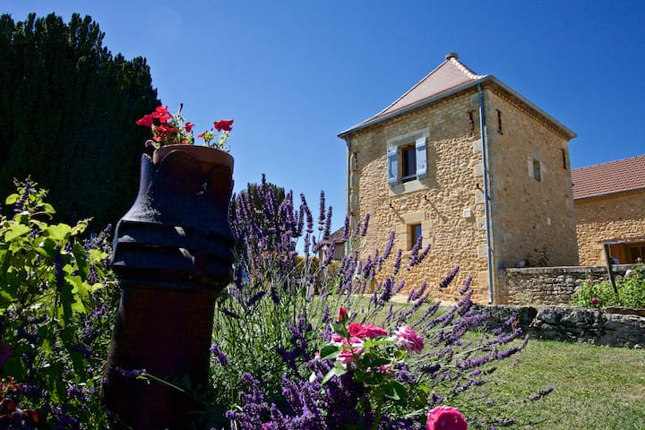 Le Pigeonnier, stunning views and private pool - Coux-et-Bigaroque - Overig