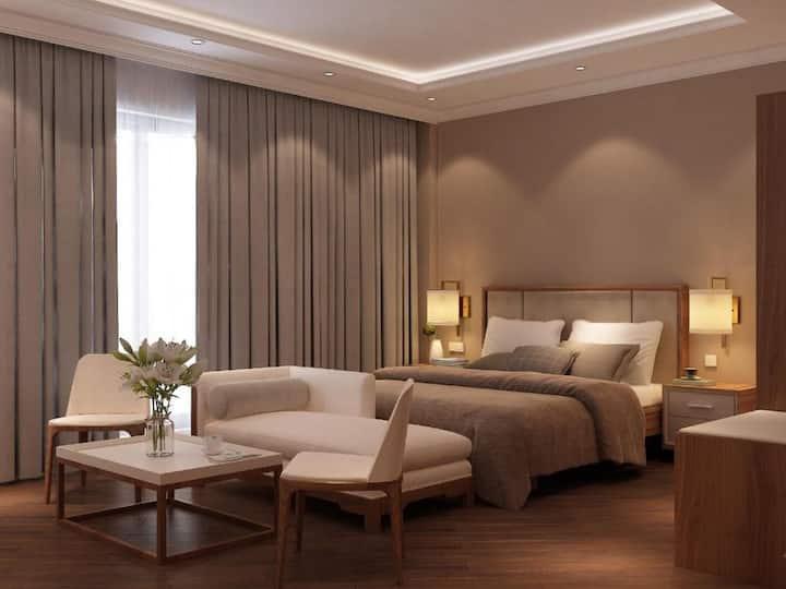 PRIVATE BALCONY 2- SECC 3 HOTEL