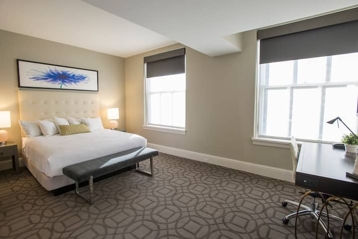 Enjoy the Luxuries of Our Premier King Room