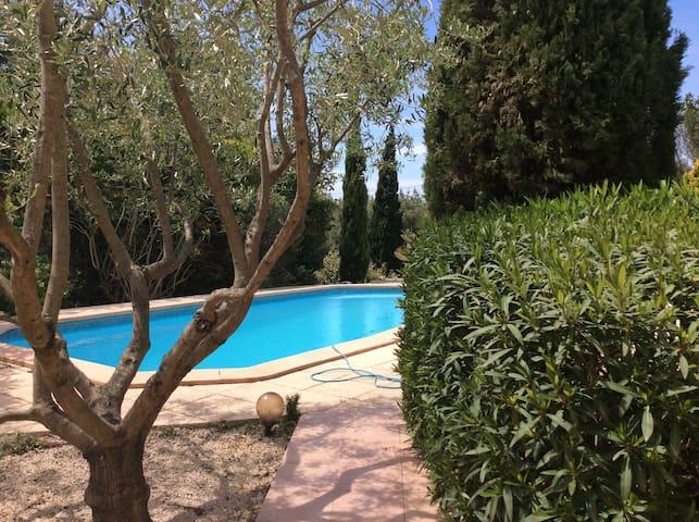 Tres belle Villas avec piscine - Ceyreste - Hus