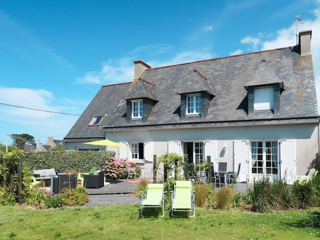 Holiday home in Plouguerneau for 6 persons