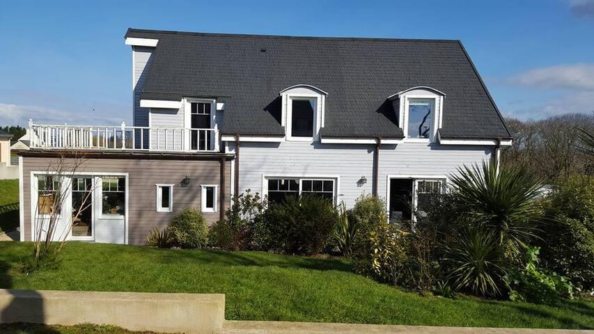 Maison avec jardin dans le Finistère mer a 10min