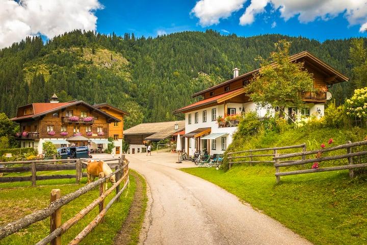 Bauernhof-Urlaub--Salzburg Zimmer