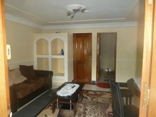 Appartement 2 chambres meublé : Bastos