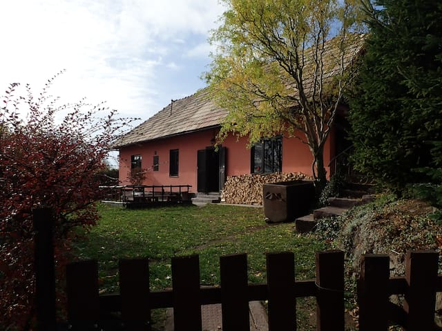 Pink cottage - beautifully restored mining house