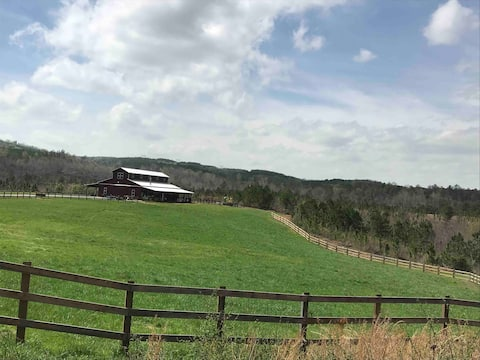 Getaway Wilderness Retreat  Barn & Loft
