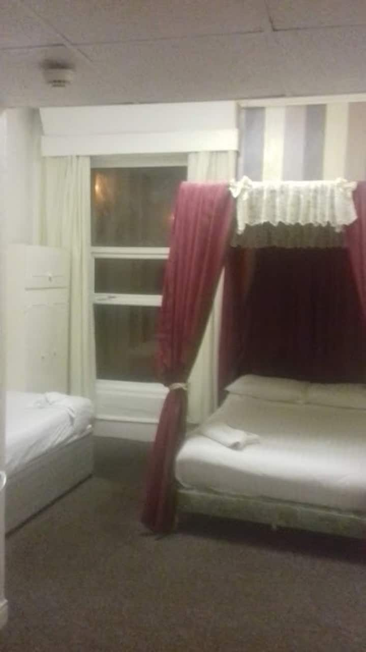 Seafront hotel - room 21
