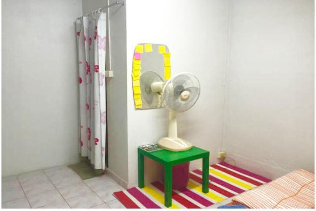 Have 1 Fan and Inside Room have Body Mirrer