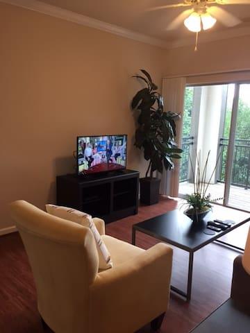 Beautiful Lansdowne Furnished Apartment - Leesburg - Appartement