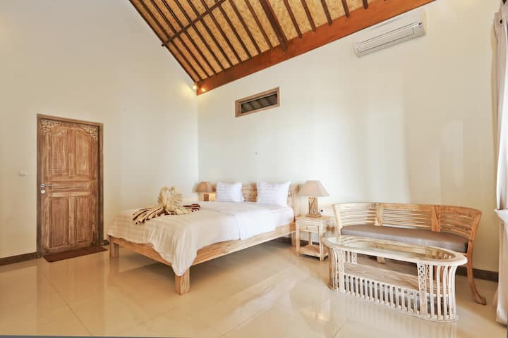 'Infinity' Beach House.Charming private villa-Amed