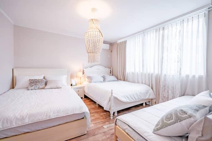 장기숙박할인, 위생철저,  독립공간, 5방/4욕실, 지하철역 1,2호선/버스정거장 1분