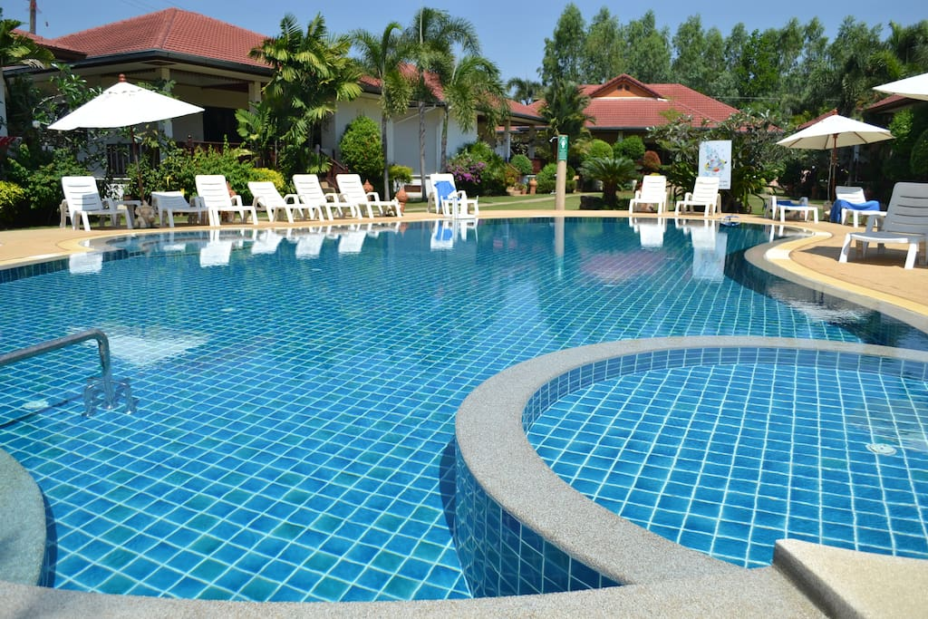 Relaxing swimming pool with kid's splash pool just metres from the terrace