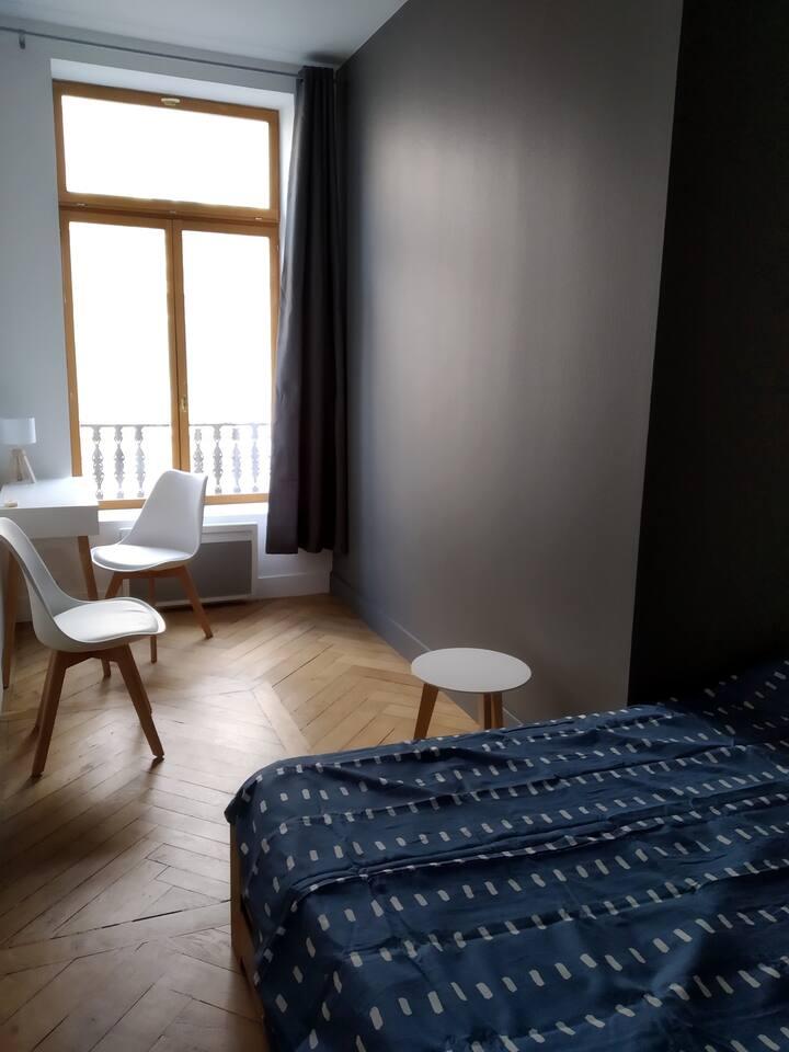 Belle chambre dans appartement refait à neuf