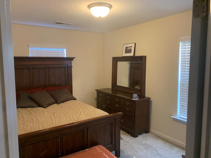 Convenient to downtown, second floor bedroom