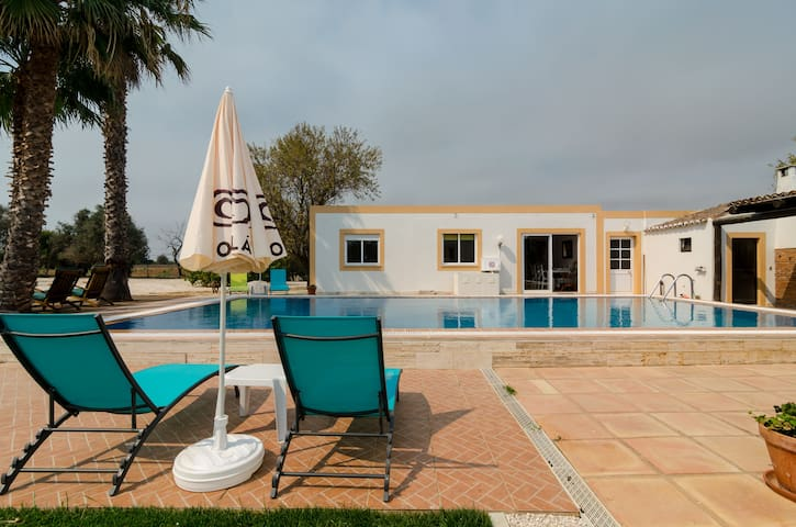 Villa Amendoas- with a Shared Pool