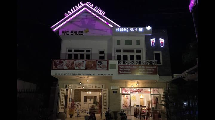 Huong Sen 181 foot, body massage, bed and hostel