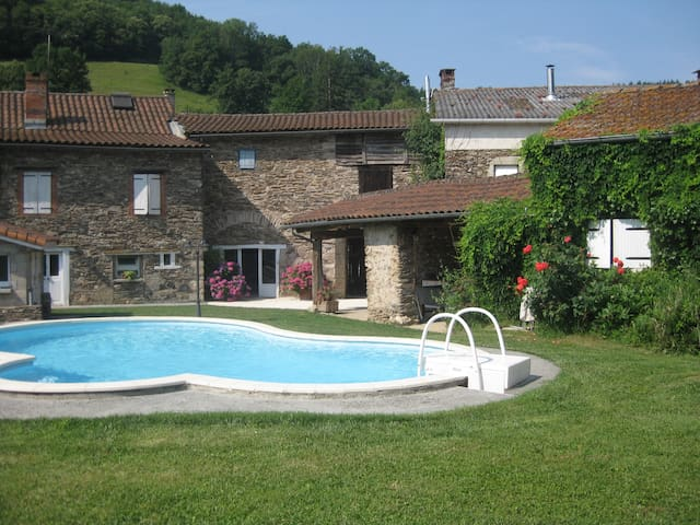maison avec piscine, au calme et 15 mn d'Albi - Villefranche-d'Albigeois - Casa de férias