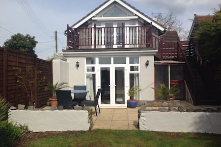 *Beautiful Holiday Cottage* - Weston-super-Mare