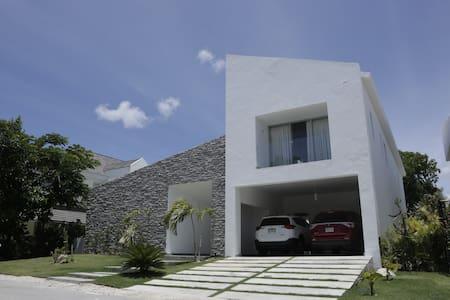 Villa del Sol PuntaCana Village 4BR-Private pool