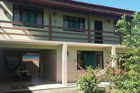 Casa ampla e confortável em condomínio em Araruama