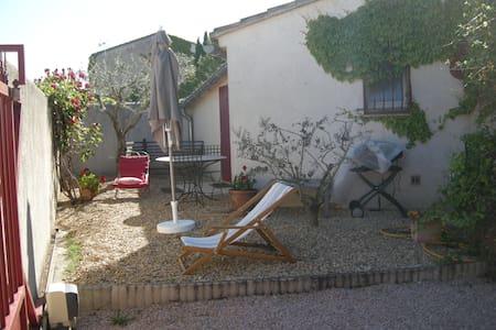 gite de la peintre Esterelle* - Pernes-les-Fontaines - Departamento
