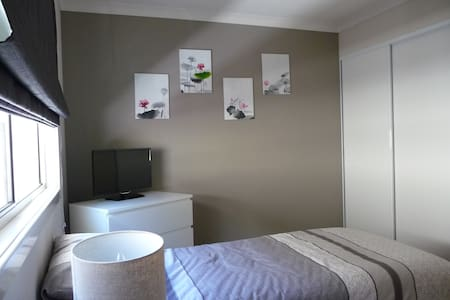 Modern 2 bedroom Cottage - Thornlie