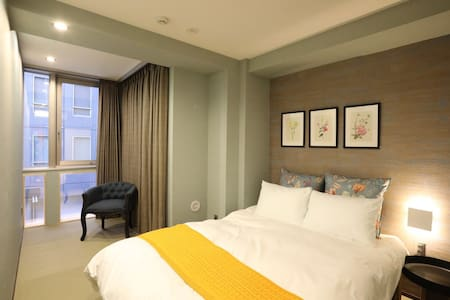 Western room for 2 people/雙人洋室房