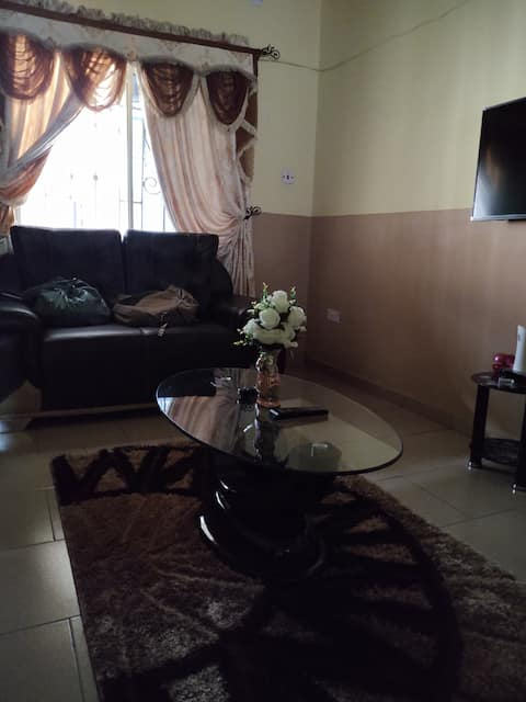 A Modern & Homely 2 bedroom flat