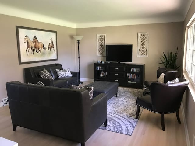 Comfy Luxury Birmingham Home