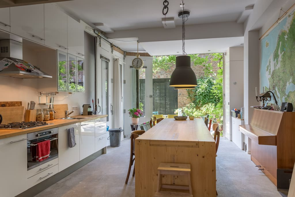 Ground floor with kitchen and large kitchen table.