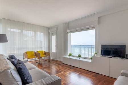 BEACH V apartment+parking by Aston Rentals