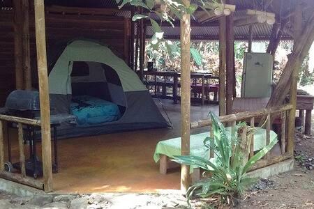 Jungalow: Peaceful nature retreat near Rio Naranjo - Quepos