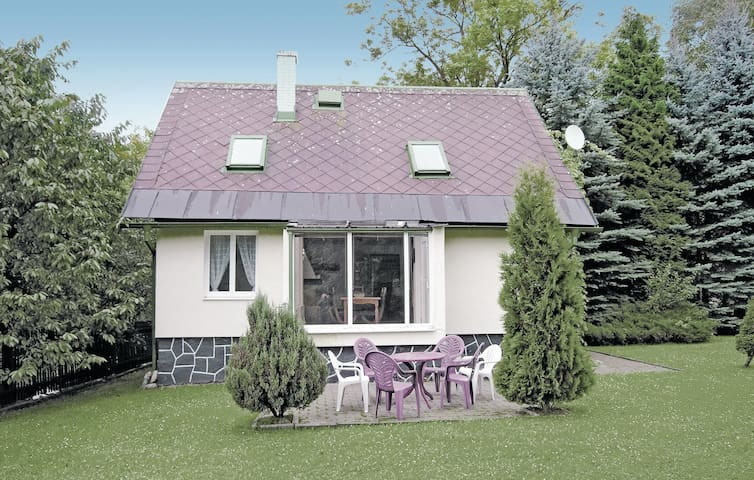 Holiday cottage with 2 bedrooms on 80 m² in Sokolov