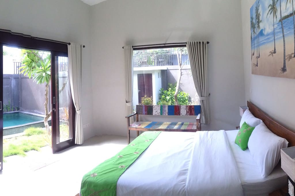 Independent Room #1: kingsize bed 180x200, aircon, private bathroom, direct acces to the pool